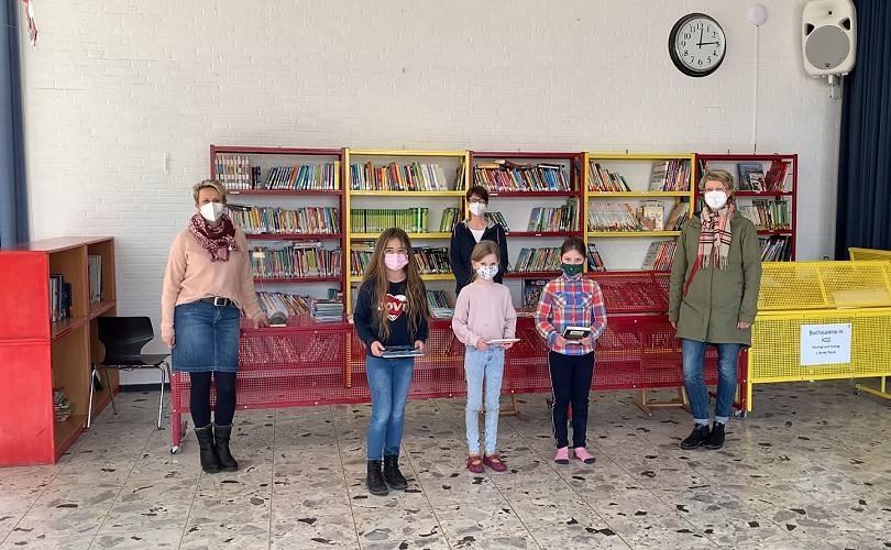 Bücherspende von Familie Goebel-Otten